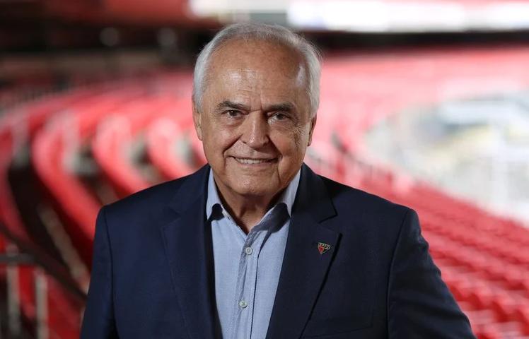 Com covid-19, presidente do São Paulo tem melhora e deixa UTI