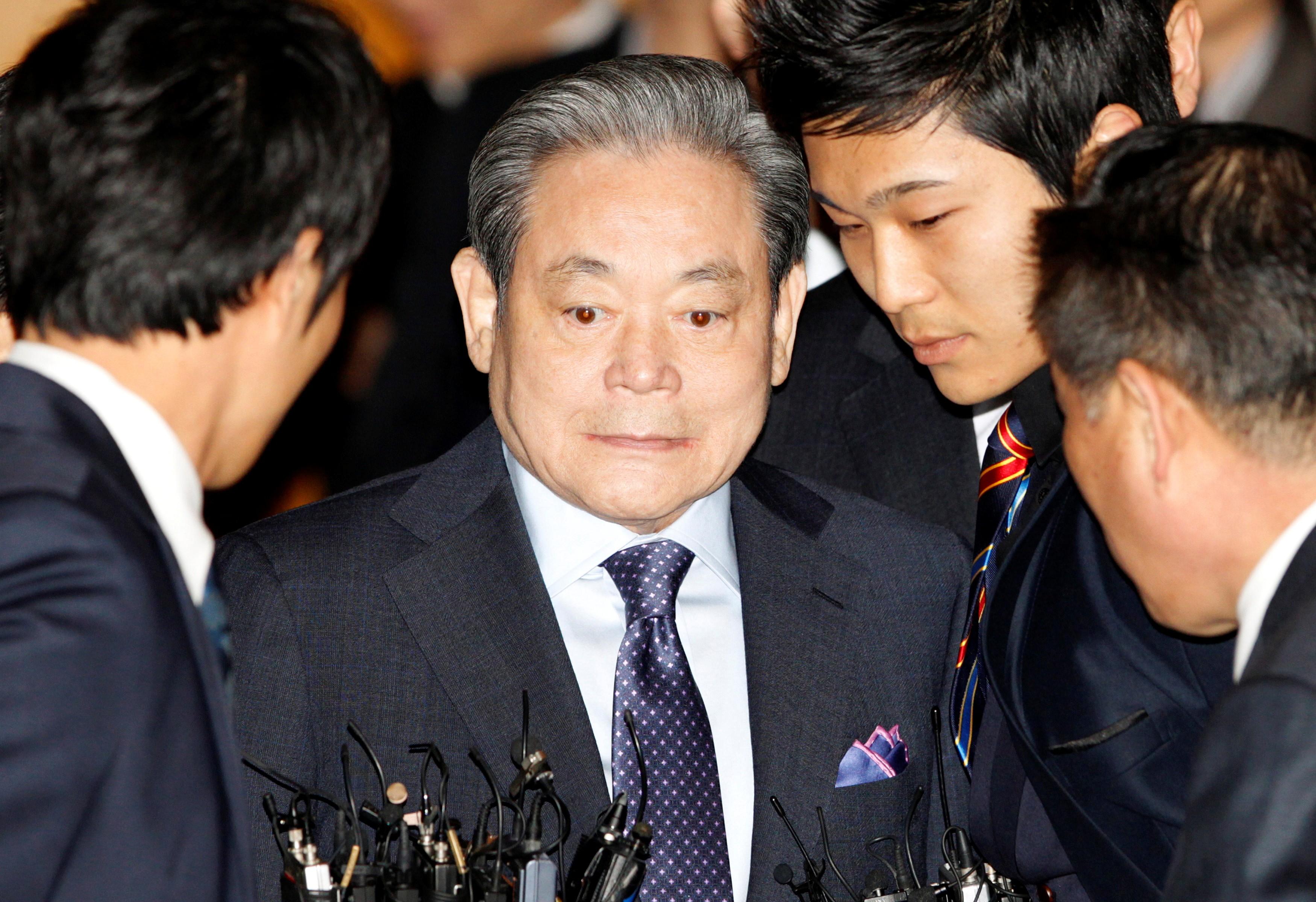 Morre Lee Kun-hee, presidente da Samsung