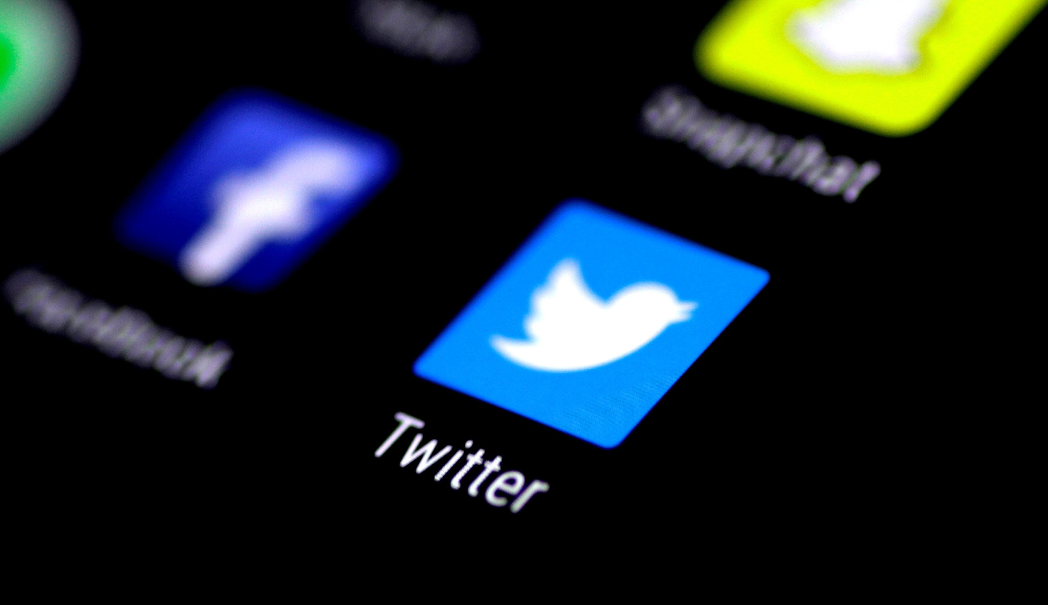 Twitter irá mostrar aviso quando as pessoas curtirem publicações rotuladas como enganosas